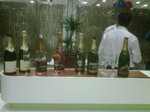 Cocktail_and_champagne_bars_2